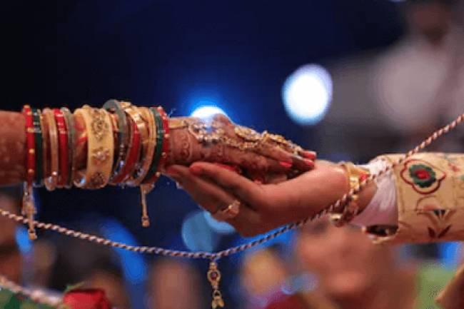 सिंपल-सोबर शादी करने के 6 फायदे
