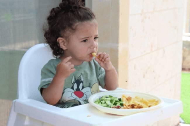 बच्चा खाना नहीं खाता तो यह 8 उपाय अपनाएं